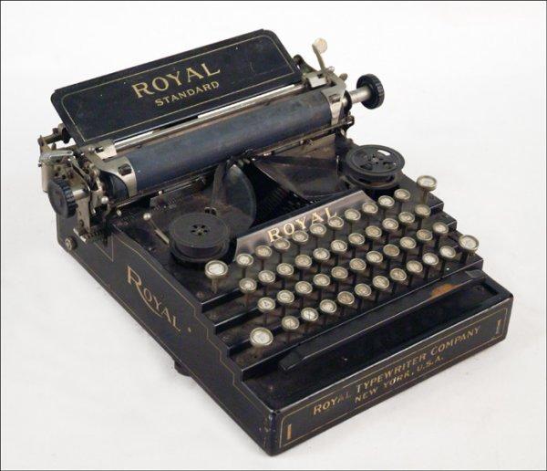 263: ROYAL STANDARD MODEL 1 TYPEWRITER.