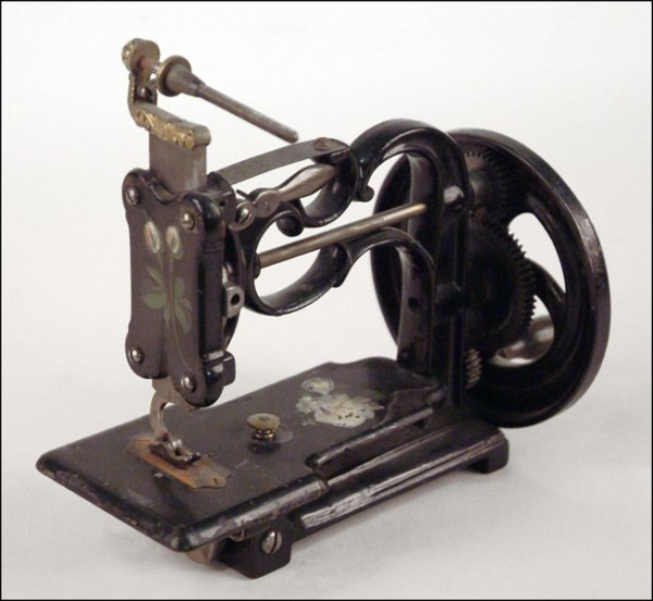 279: NEW ENGLAND TYPE SEWING MACHINE.