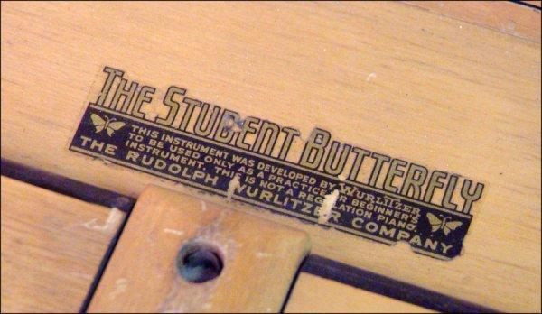 317: WURLITZER STUDENT BUTTERFLY PIANO. - 2