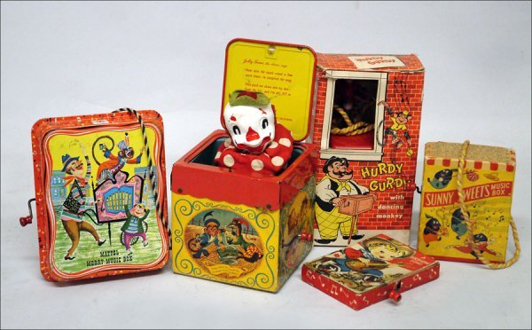 109: COLLECTION OF MUSICAL TOYS.