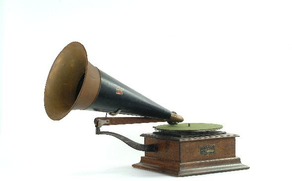 4: Victor Type P Phonograph,