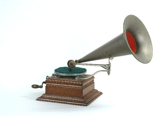 7: Zonophone Home Phonograph,