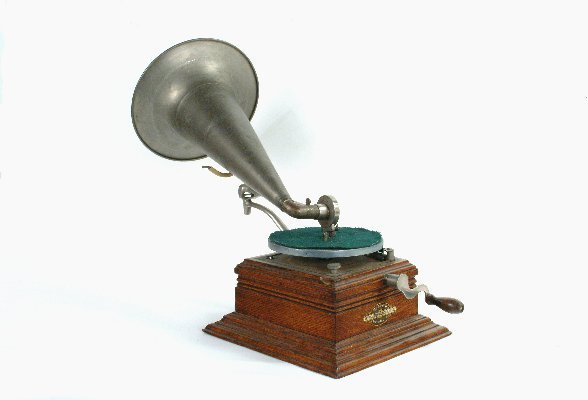 7: Zonophone Home Phonograph, - 2