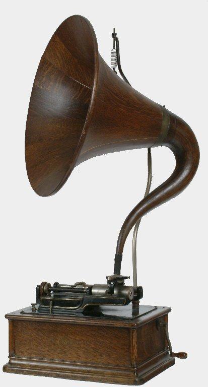 11: Edison Triumph Phonograph, Model G