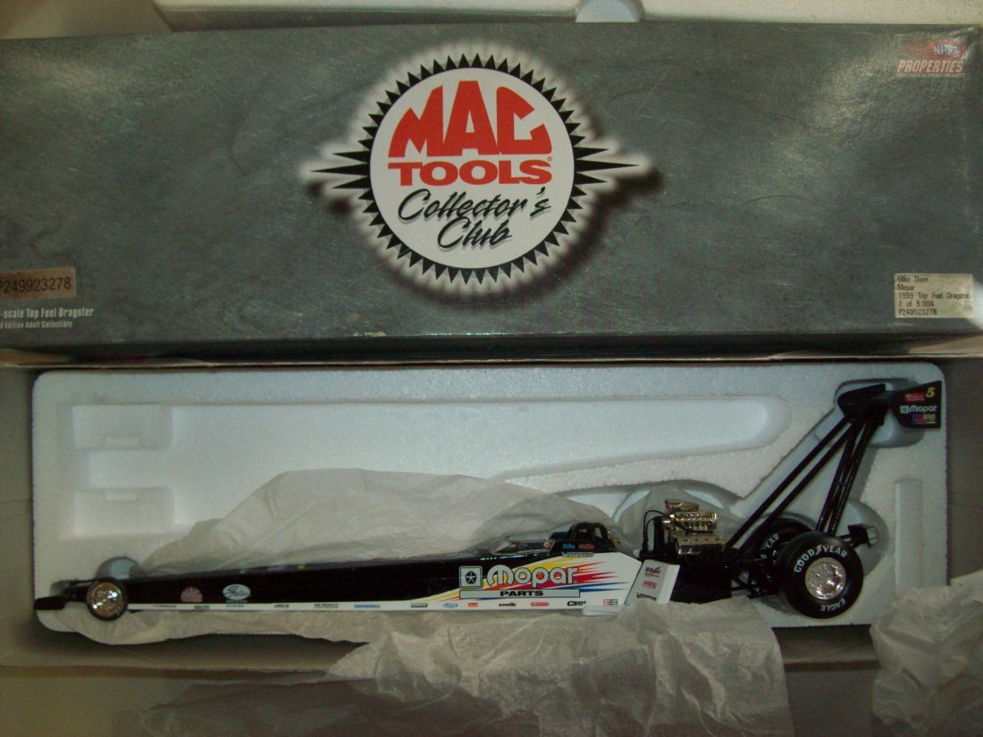 MAC TOOLS Mopar Mike Dunn 1999 Top Fuel Dragster 1:24