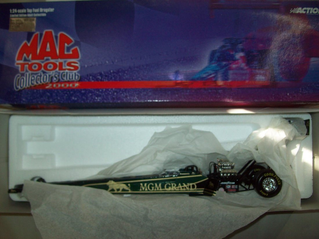 MAC TOOLS MGM Grand Doug Kalitta 2000 Top Fuel Dragster