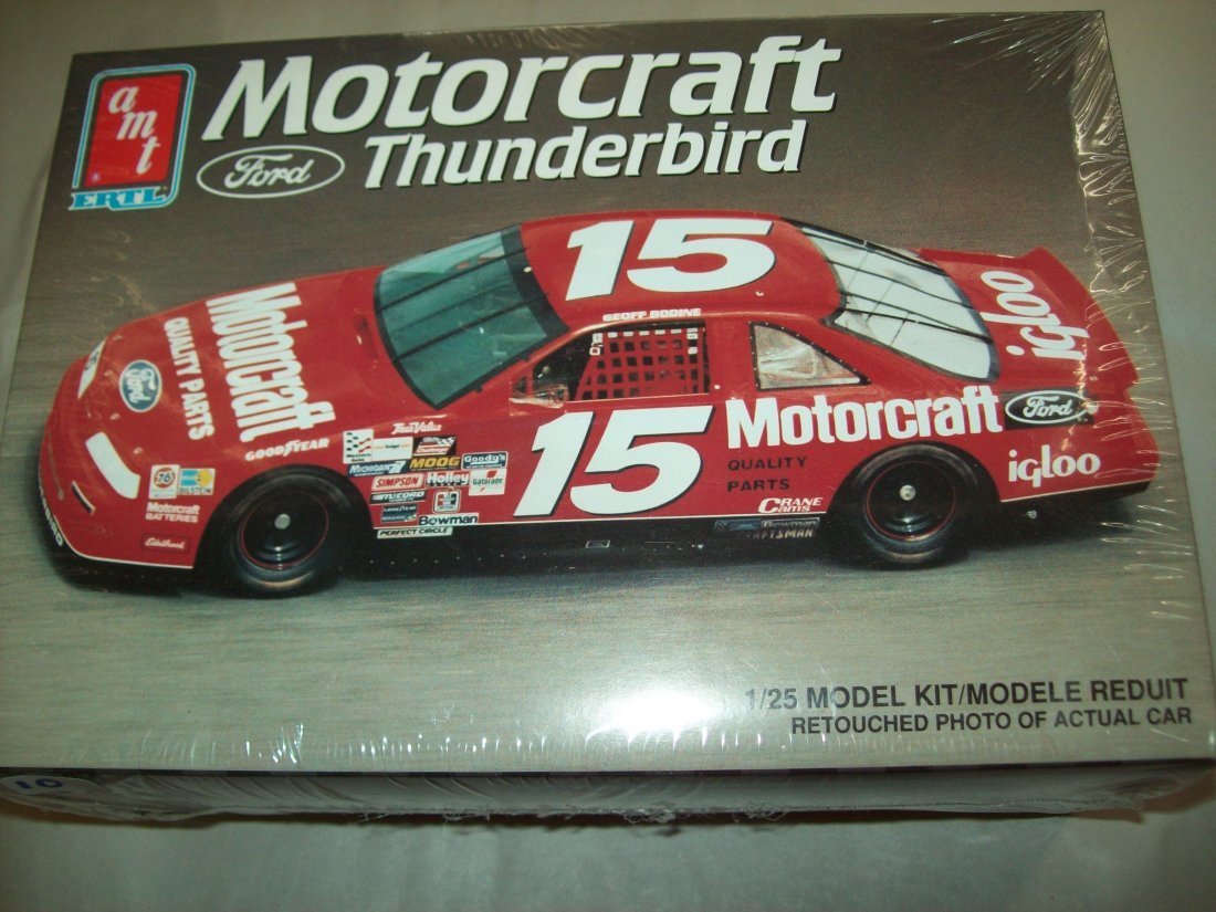AMT ERTL Motorcraft Ford Thunderbird 1/25 Model Kit