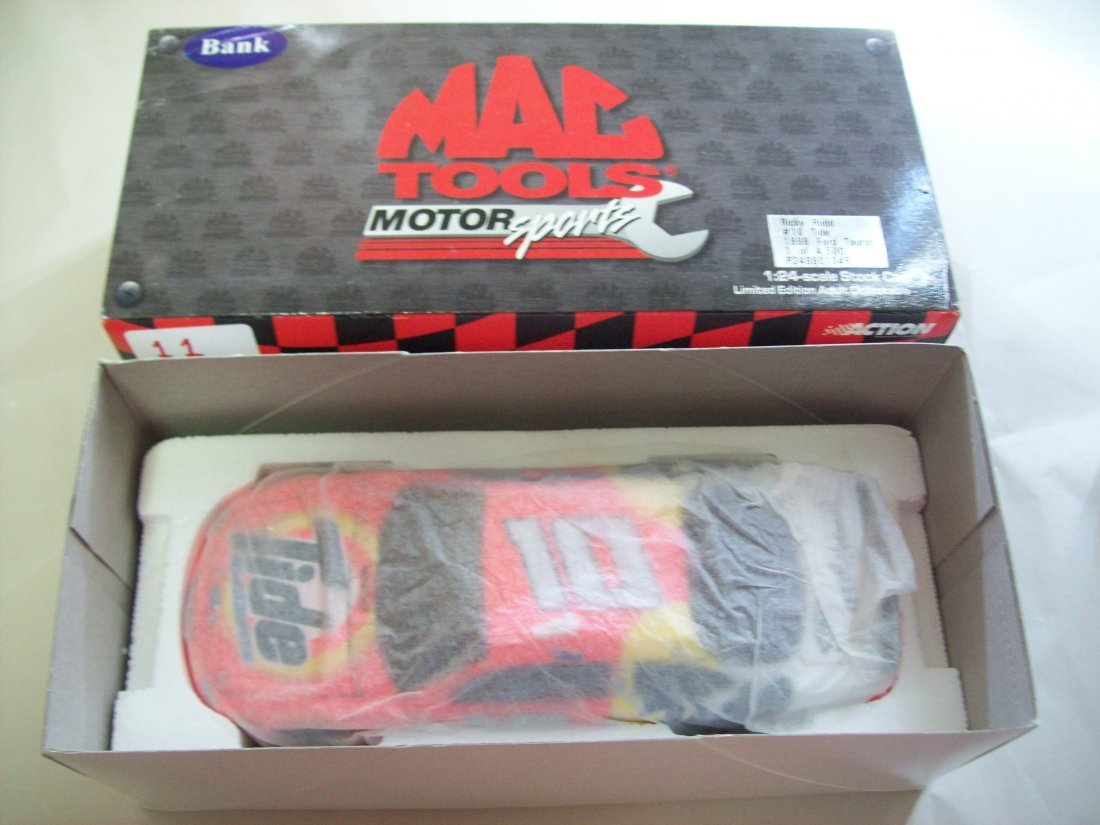 MAC TOOLS Ricky Rudd #10 Tide 1998 Ford Taurus 1:24