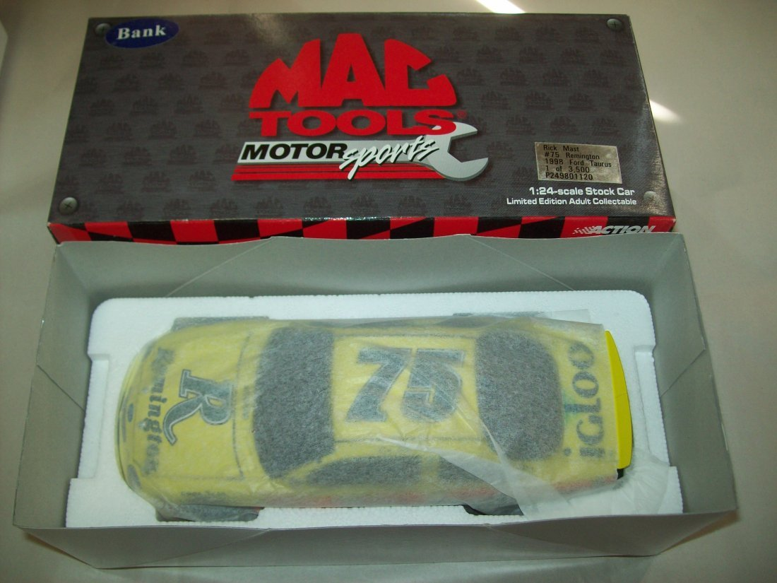 MAC TOOLS 2000 Rick Mast #75 Remington 1998 Ford Taurus