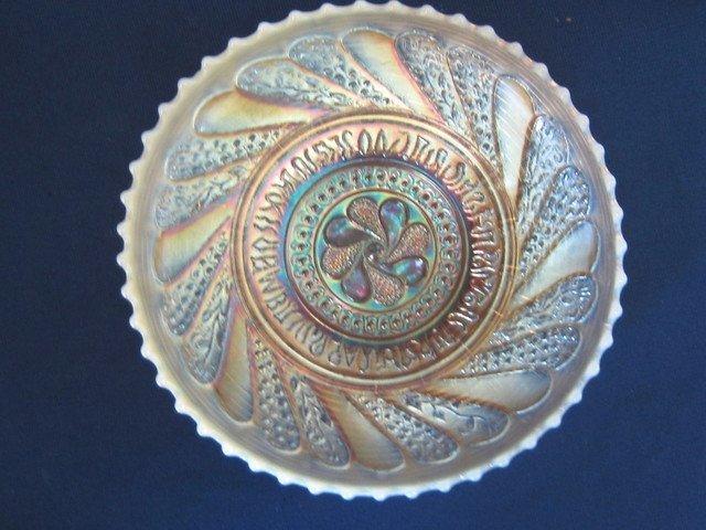 Dugan Roundup Peach Opalescent Ice Cream Shape Bowl
