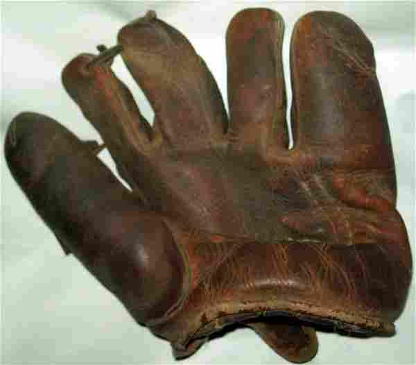 Vintage Rawlins Baseball Glove