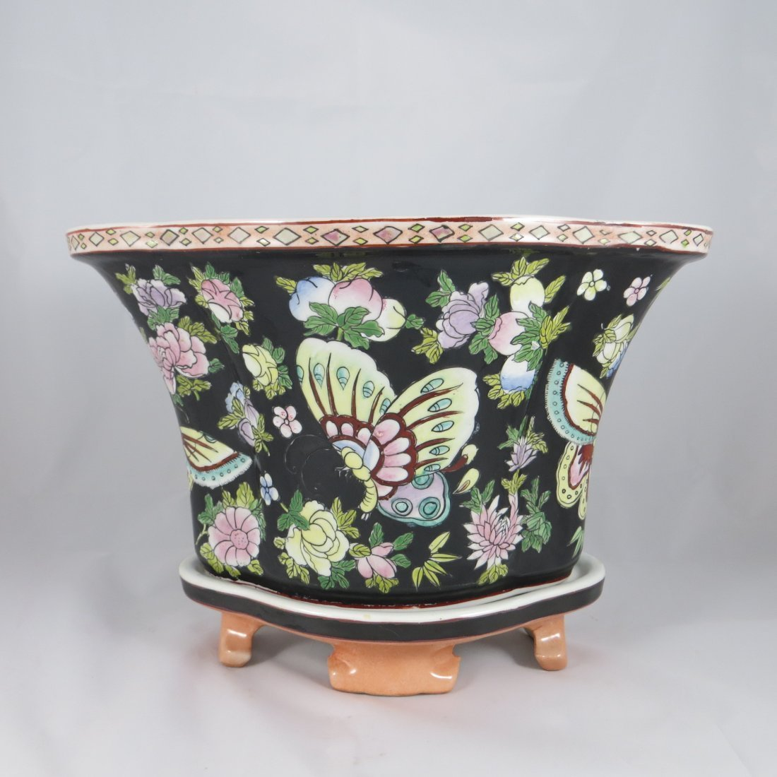 Chinese Qing Dynasty Flower Pot