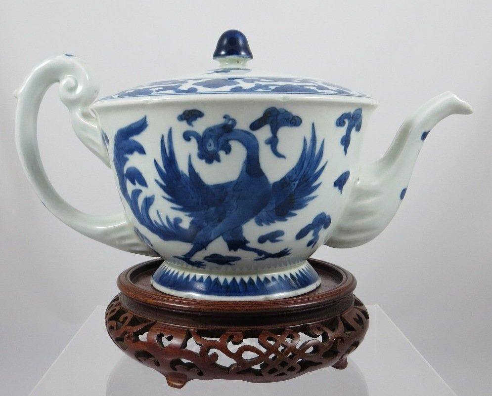 Chinese Qing Dynasty Export B/W Teapot