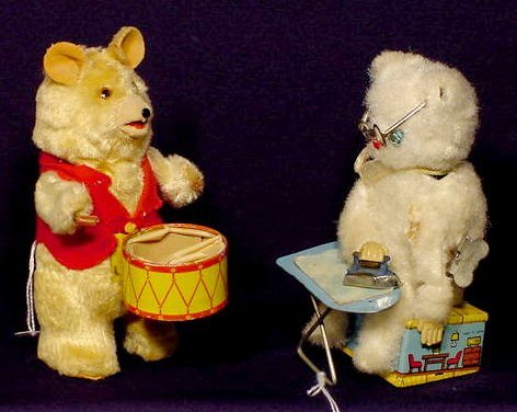 2012: 2 Key Wind Mechanical Bear Toys: