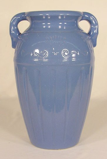 23: R.R.P. Co. 283-15 Pottery Double Handled Vase NR