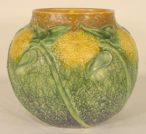 """198: Unmarked Roseville """"Sunflower"""" Pottery Vase NR"""
