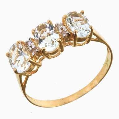 751A: 10 Kt Gold Aquamarine and Diamond Ring NR