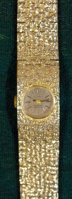 2162: Bulova Ladies Accutron Quartz Wrist Watch N9 NR