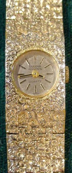 2162: Bulova Ladies Accutron Quartz Wrist Watch N9 NR - 2