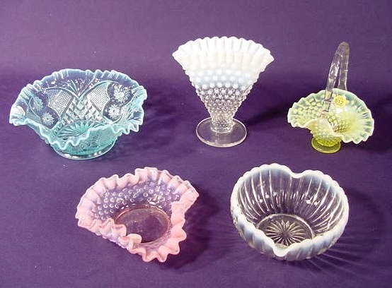 512: Five Opalescent Glass Dishes NR