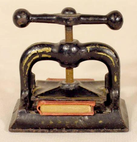 1003: Miniature Cast Iron Book Press With Book NR