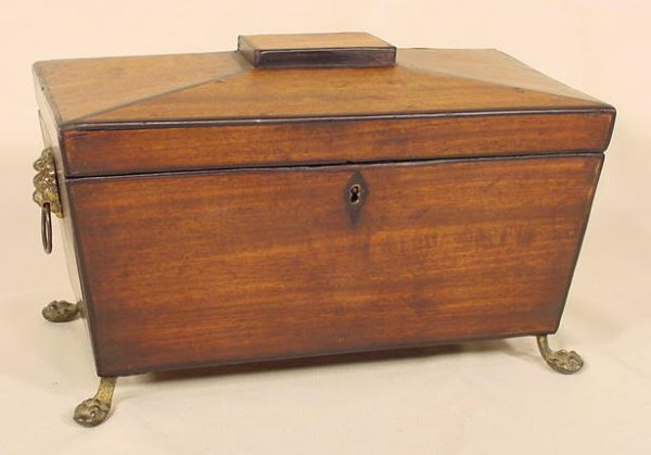 1018: Early Mahogany Lions Head Handled Tea Box NR