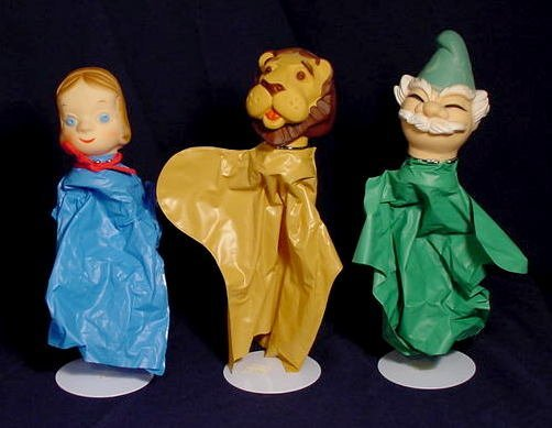 219: Wizard of Oz Plastic Hand Puppets & Theater NR - 3