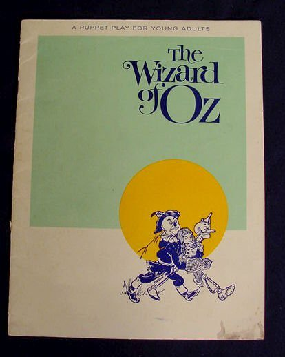 219: Wizard of Oz Plastic Hand Puppets & Theater NR - 6