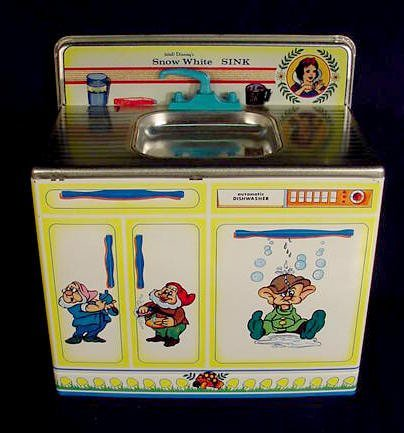 233: Wolverine Snow White Child's Kitchen Set NR - 4