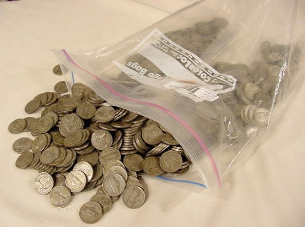 312: Bulk lot 500 Circ Jefferson War Nickels NR