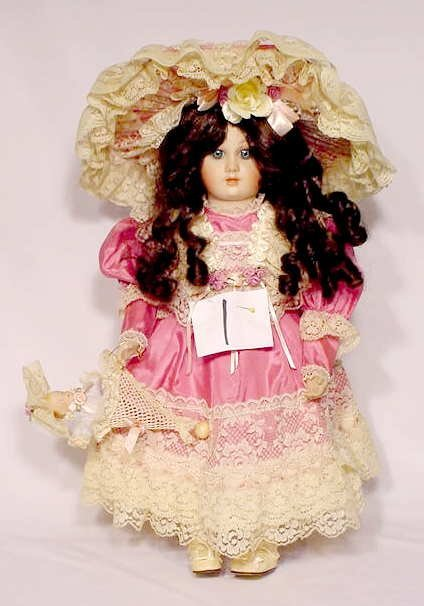 """1001: World Gallery Porcelain & Cloth Doll """"Dominique"""""""