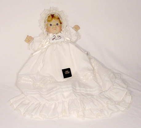 "1023: Lee Middleton Dolls Doll ""First Moments Awake"""