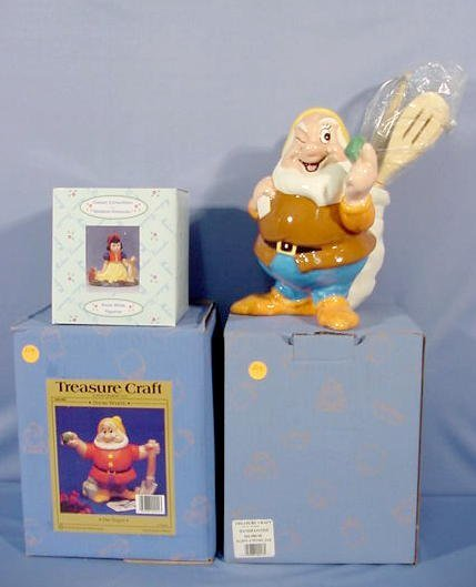 514: 3 Snow White Collectibles: Snow White & 2 Doc NR
