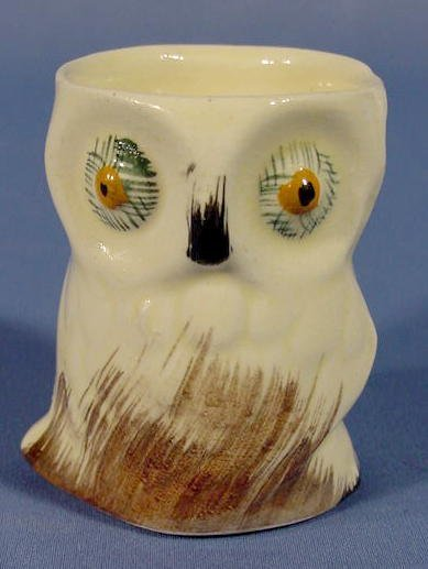 11: English Pottery Owl Oral Pick Holder NR