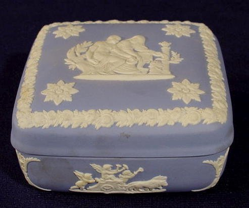 21: Wedgwood Blue Jasperware Box NR