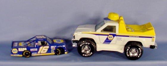 578: 2 NAPA Toy Trucks: Chevy & Napa Service Truck NR