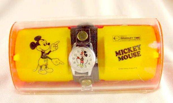 2225: 1973 Bradley Mickey Mouse Wrist Watch #6801 NR - 4