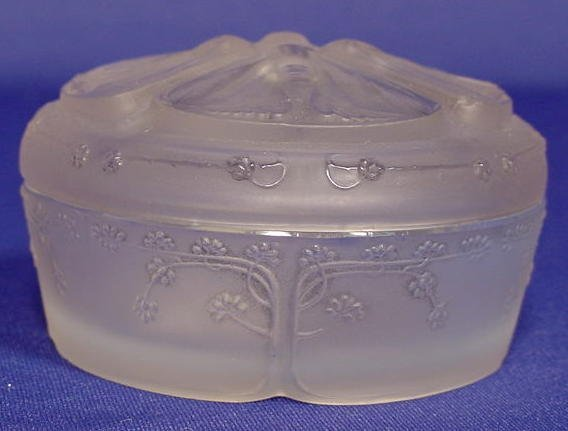 713: R. Lalique France Round Covered Box NR