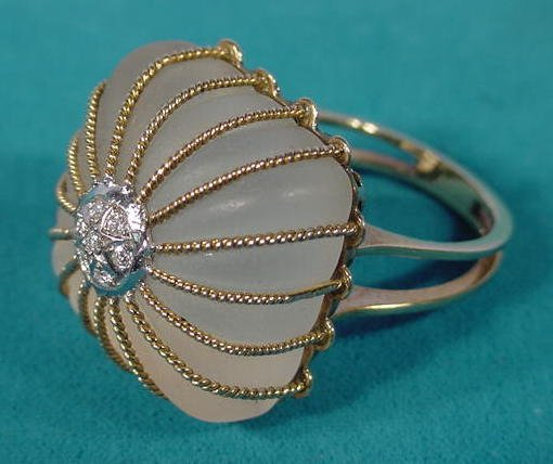 15: 14K Lalique Style Ladies Ring With Diamonds NR