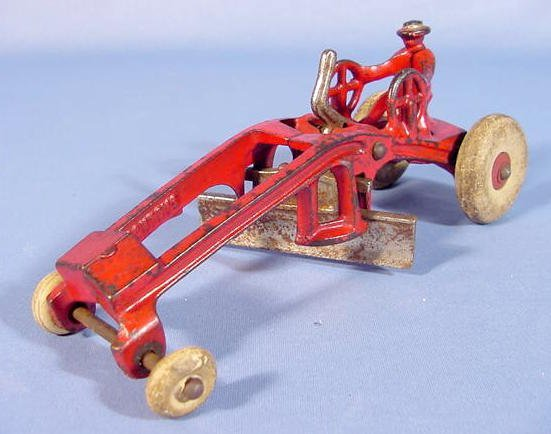"522: Kenton Cast Iron Toy Road Grader, 7 1/2"""