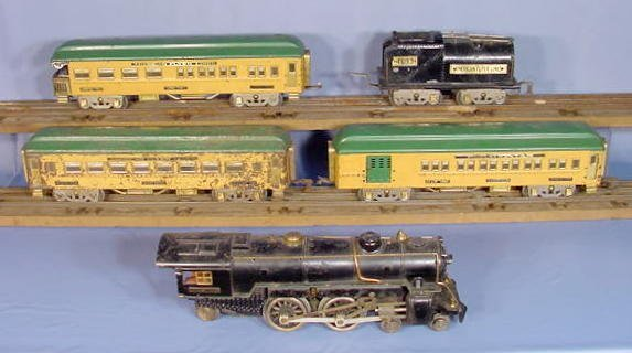 828: American Flyer 5pc Train Set w/Some Track