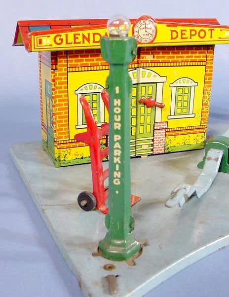 "525: Marx Toy Tin Litho ""Glendale Depot"" - 3"