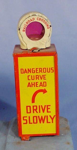 "525: Marx Toy Tin Litho ""Glendale Depot"" - 4"