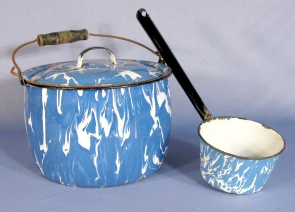 514: Blue & White Graniteware Dipper & Covered Pot