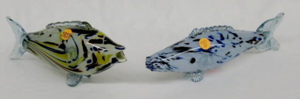 1019: 2 Glass Fish w/Open Mouths