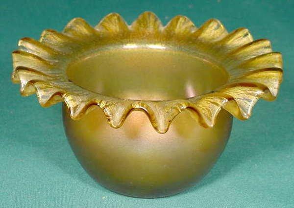 22: Amber Stretch Art Glass Ruffled Rim Bowl NR