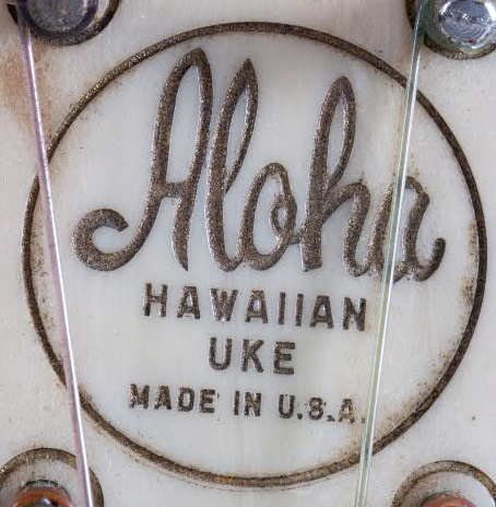 638: Aloha Plastic Ukulele with Instructions 1927-28 - 4