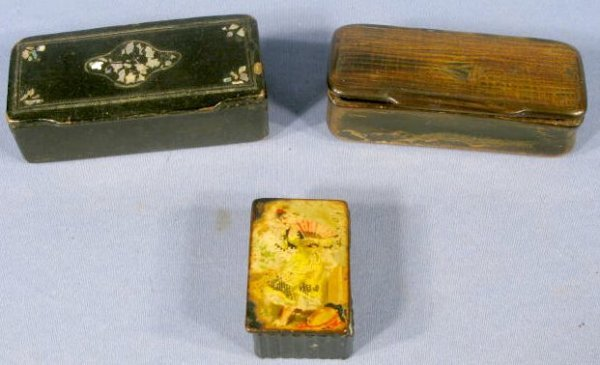 7: Group of 3 Snuff Boxes: Paper Mache & Horn