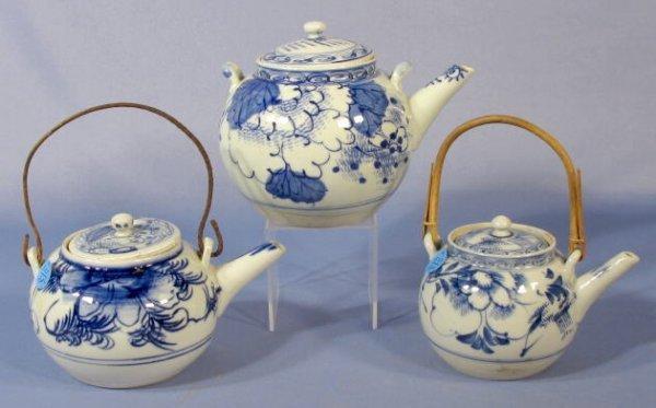 527: 3 Blue & White Porcelain Tea Pots