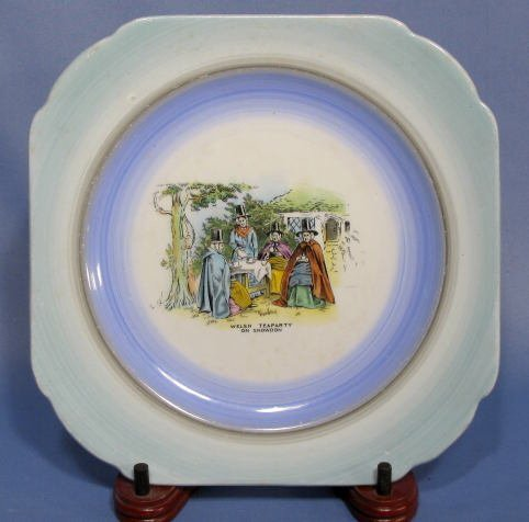 1020: Group of 5 Decorated Plates - 7